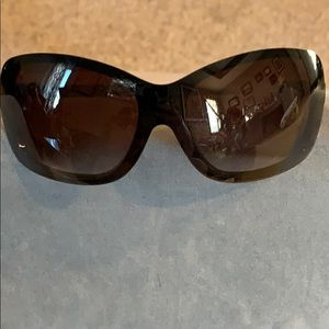 Chanel black sunglasses with case